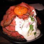 【大阪】菖蒲がカラフルな「難波神社」の御朱印と絶品ローストビーフ丼